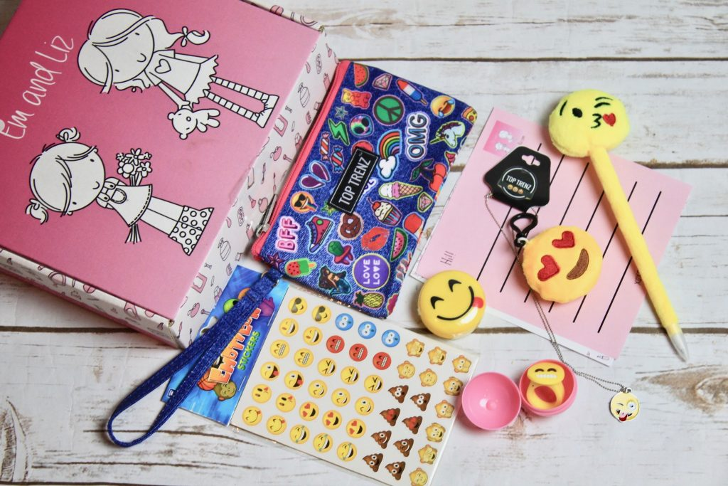 Em and Liz Tween Girls Subscription Box Review January 2018