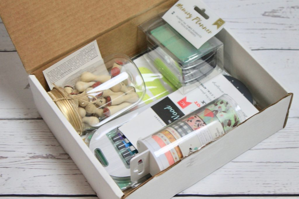 Busy Bee Stationery Subscription Box Review - April 2018
