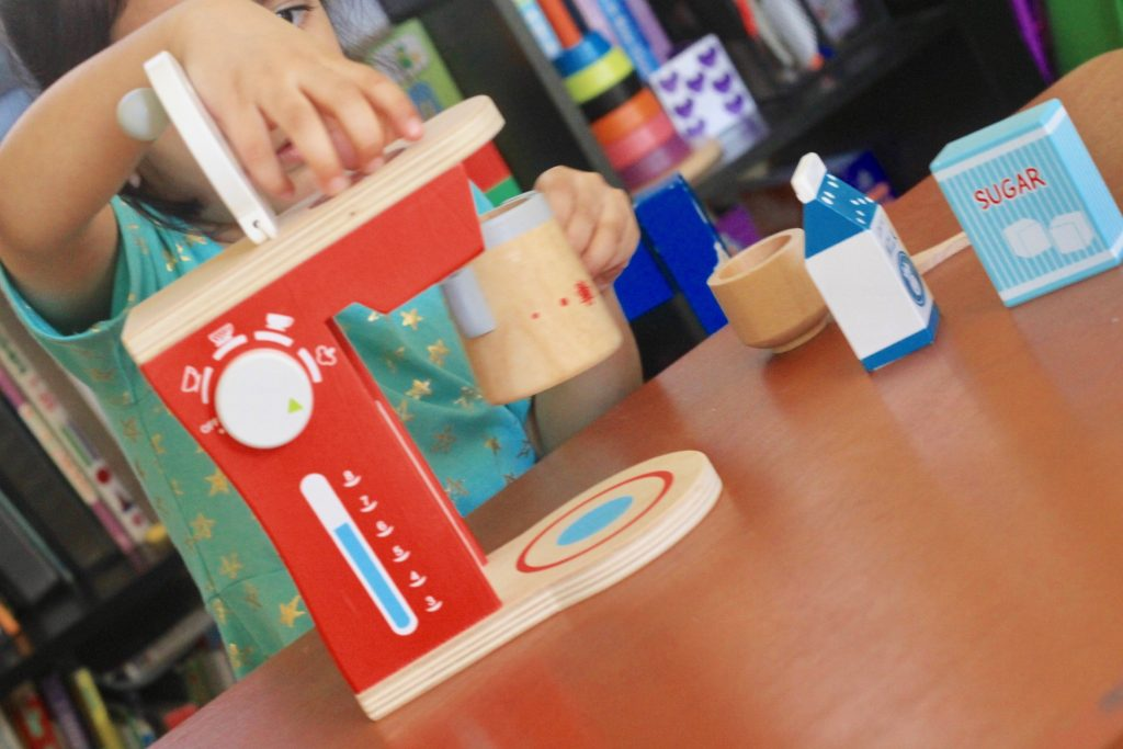 Mommy's Promise Wooden Toys review - Imaginative Play for Preschoolers