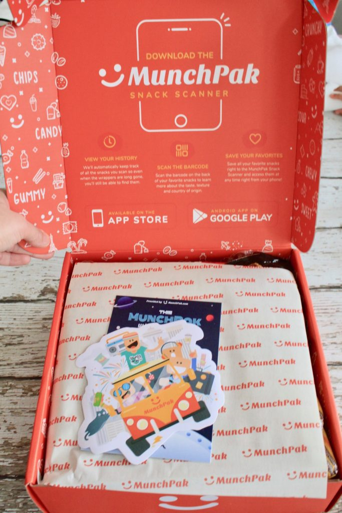 MunchPak December 2018 Subscription Box Review